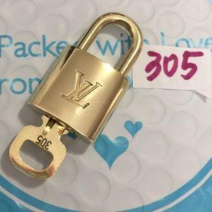 Authentic Louis Vuitton Lock and key set #305